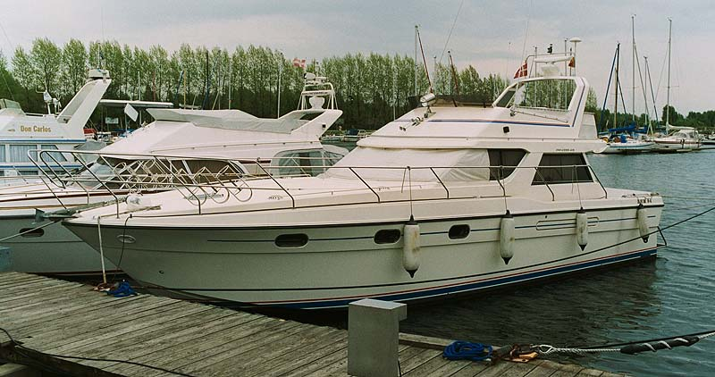 Princess 415 Flybride Motor Yacht With Side Cabin 2 X 364